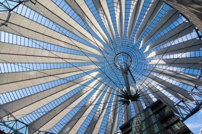 Sony Center bei Tag