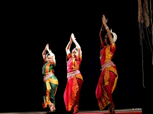 Students of Aratrika Institute of Performing Arts founded by Mrs. Nivedita Mukherjee
