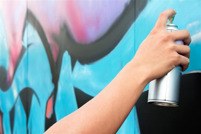 Learn How to Draw Graffiti Names on Paper and Be a ...