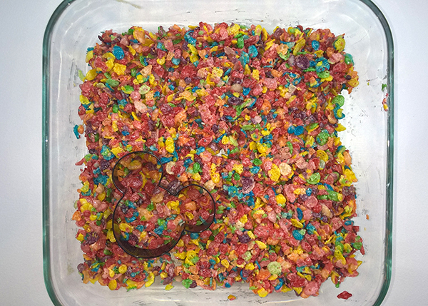 Mickey Treat Centerpiece Fruity Pebbles