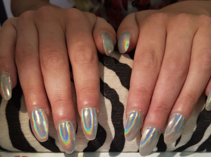 Woman Asked For A Round Manicure And Everything Got Messed