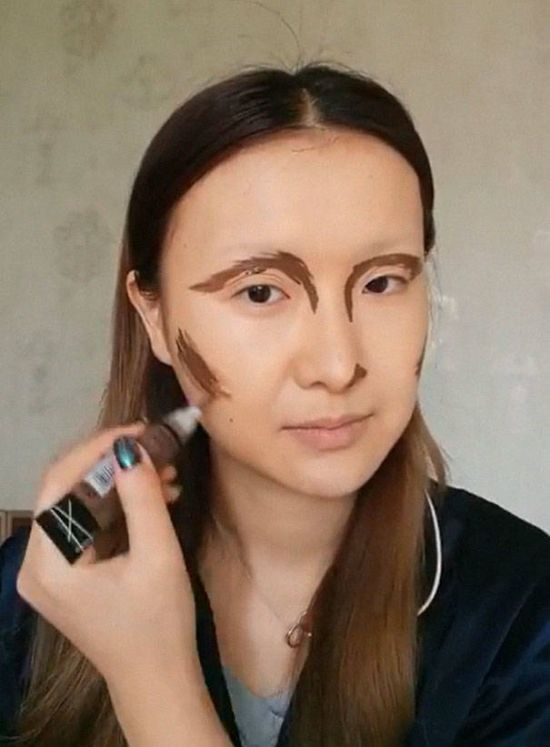 Awesome Makeup By A Chinese Artist