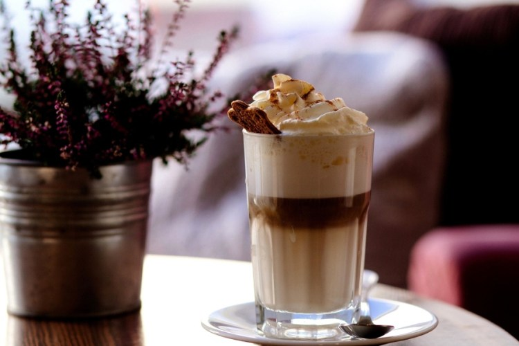 coffee, cup, table, drink, restaurant, beverage