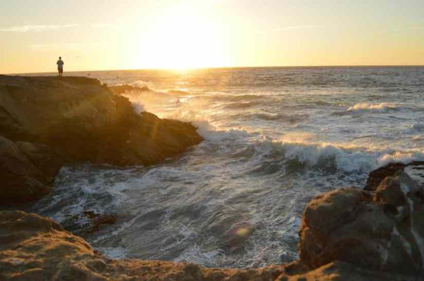 Foto gratis: acqua, luce solare, sole, alba, oceano, spiaggia, mare, spiaggia, vista sul mare