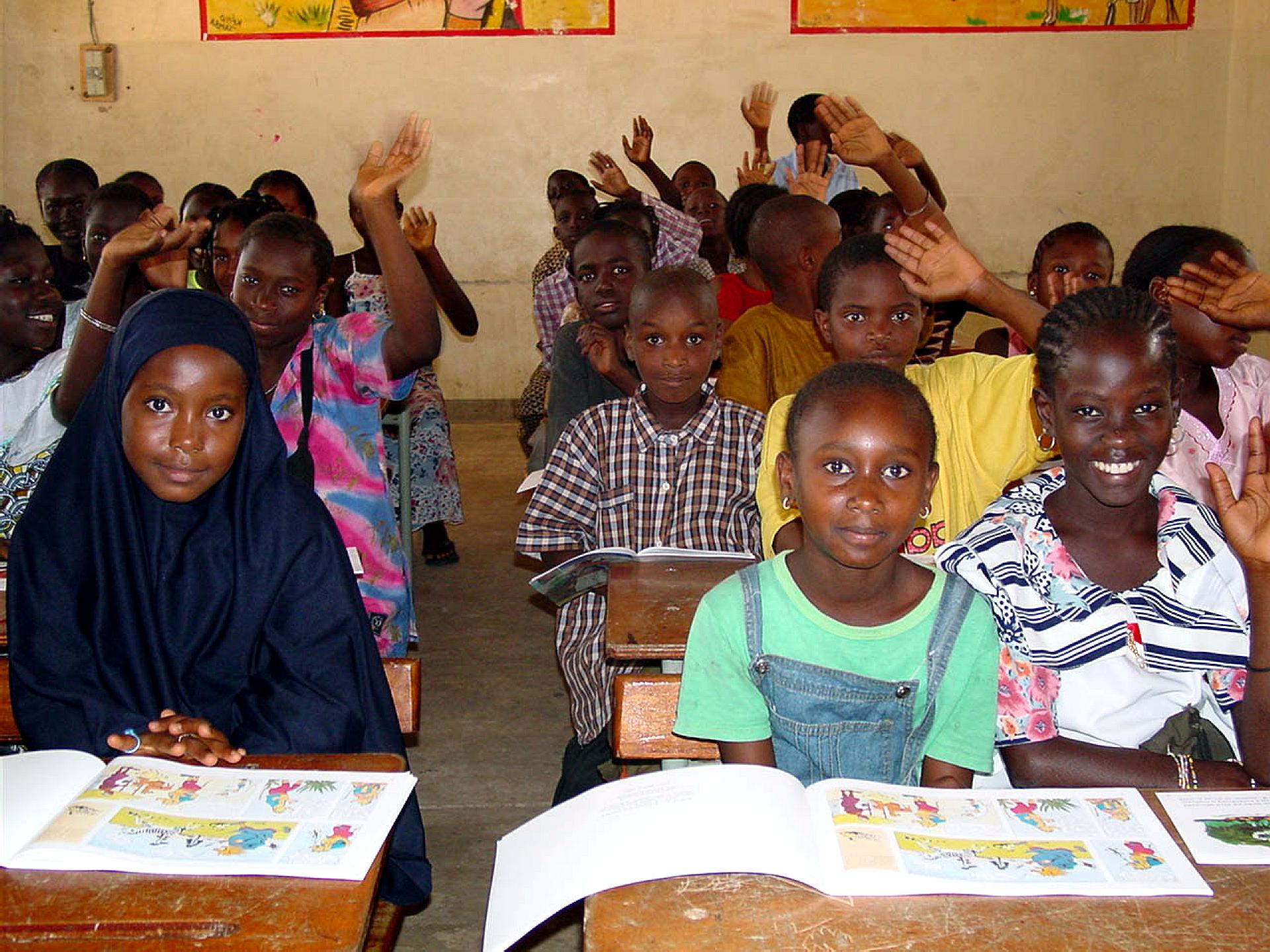 Free Picture Classroom Students Textbooks Africa