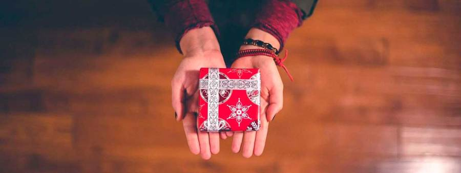 PixoLabo - Small Business Holiday Marketing Tips - Giveaway