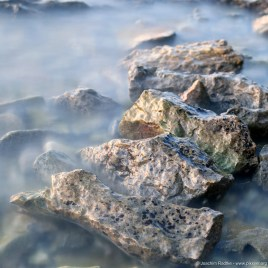 Steiniger Strand
