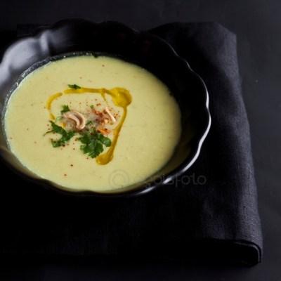 Sopa de coliflor especiada