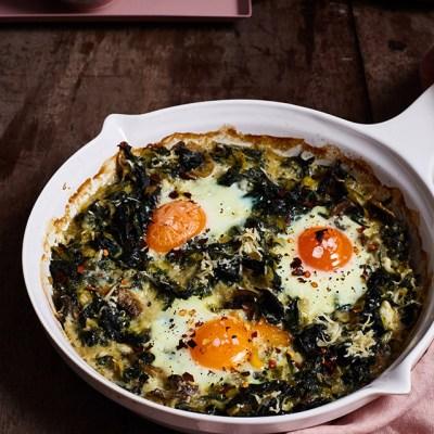 Huevos al horno con espinacas