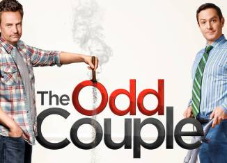 Matthew Perry y Thomas Lennon en The Odd Couple