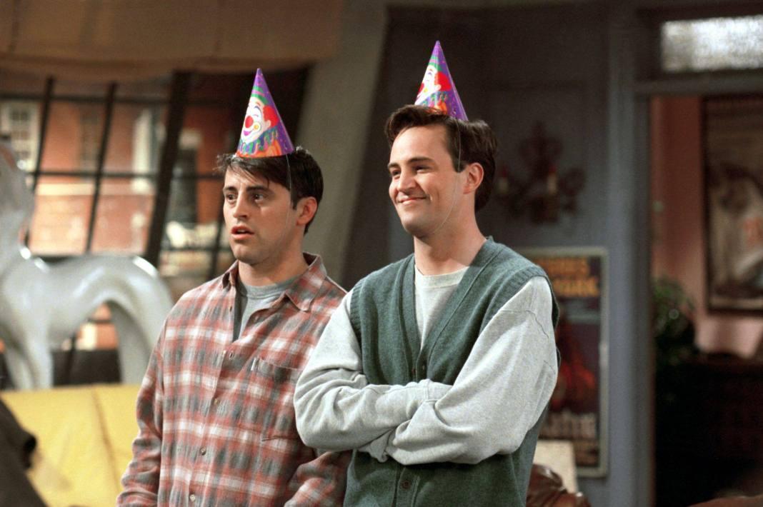 Matthew Perry en Cameo - Chandler y Joey en Friends