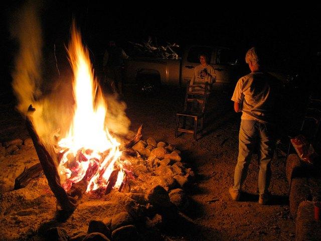 Sandy and Carol enjoy the campfire ...