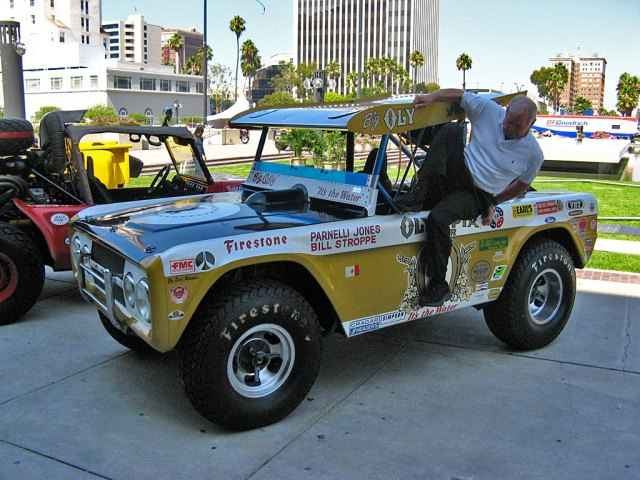 Parnelli Jones climbs out of Big Oly.
