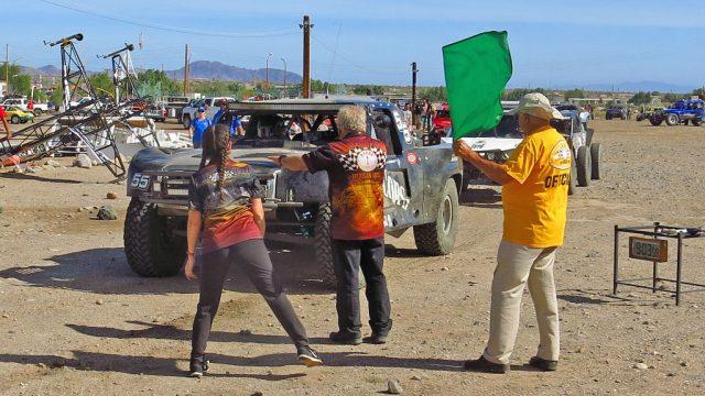 Zak leaves the line in the Bay of LA; destination Loreto in Baja California Sur.