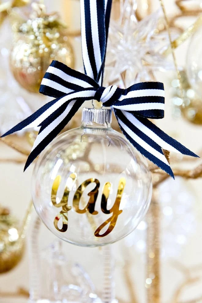 DIY Personalized Ornaments For Christmas Pizzazzerie