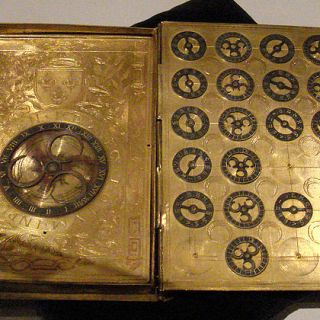 16th_century_French_cypher_machine_in_the_shape_of_a_book_with_arms_of_Henri_II.