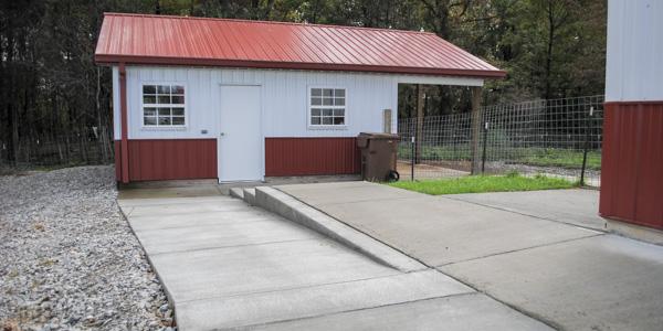 sidewalk between barn and soaproom_blog_13