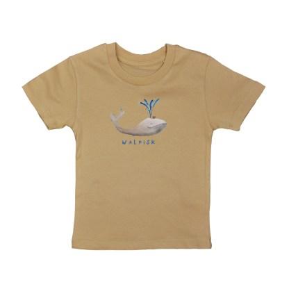 Camel shirt met walvis van biologisch katoen voor kinderen. De illustratie is van Inge Adema van atelier Pjut