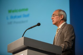 MIT Rafael Reif at the podium Photo Credit: MIT News