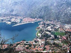 Pogled na grad Kotor sa vrha Vrmca
