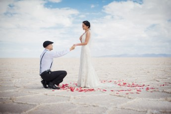 Pre-wedding Uyuni salt flats