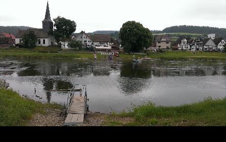 Het bewuste kerkje in het dorp
