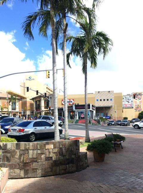 グアムのスクランブル交差点