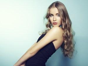 白人ブロンド美女画像