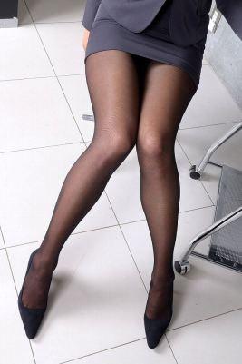 黒タイツミニスカ美脚
