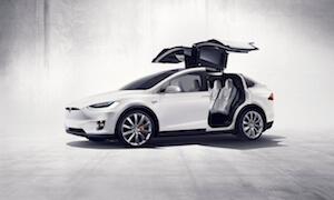 Tesla enthüllt Model X