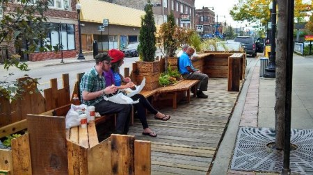 Small, pop-up parklets have become a successful placemaking tactic worldwide. Source: andersonville.org