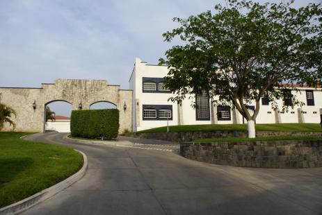 Los Portales Hotel y Motel