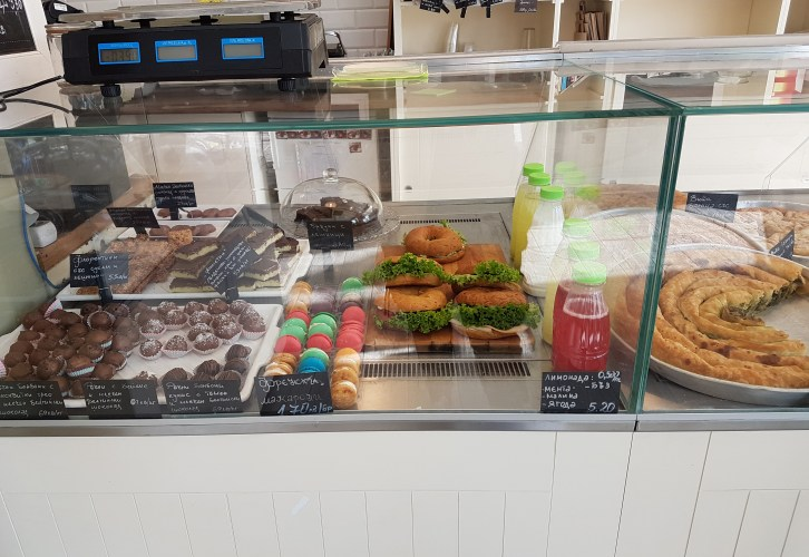 The glass display with the pastry in Clair, placescases.com
