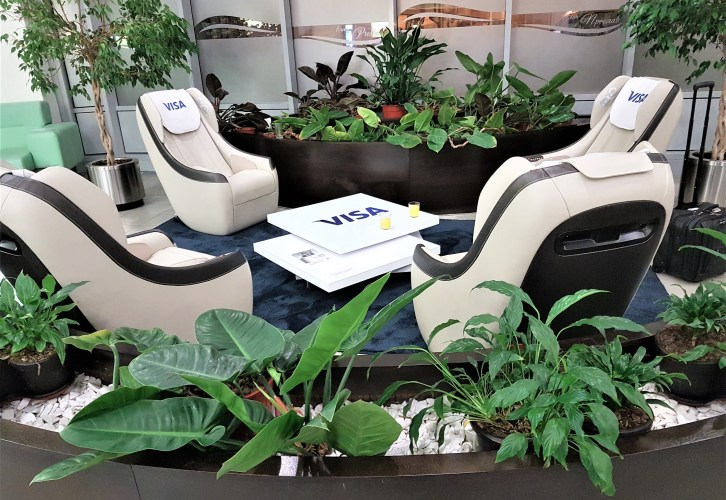 Massage chairs at Preslav Lounge SA, placescases.com
