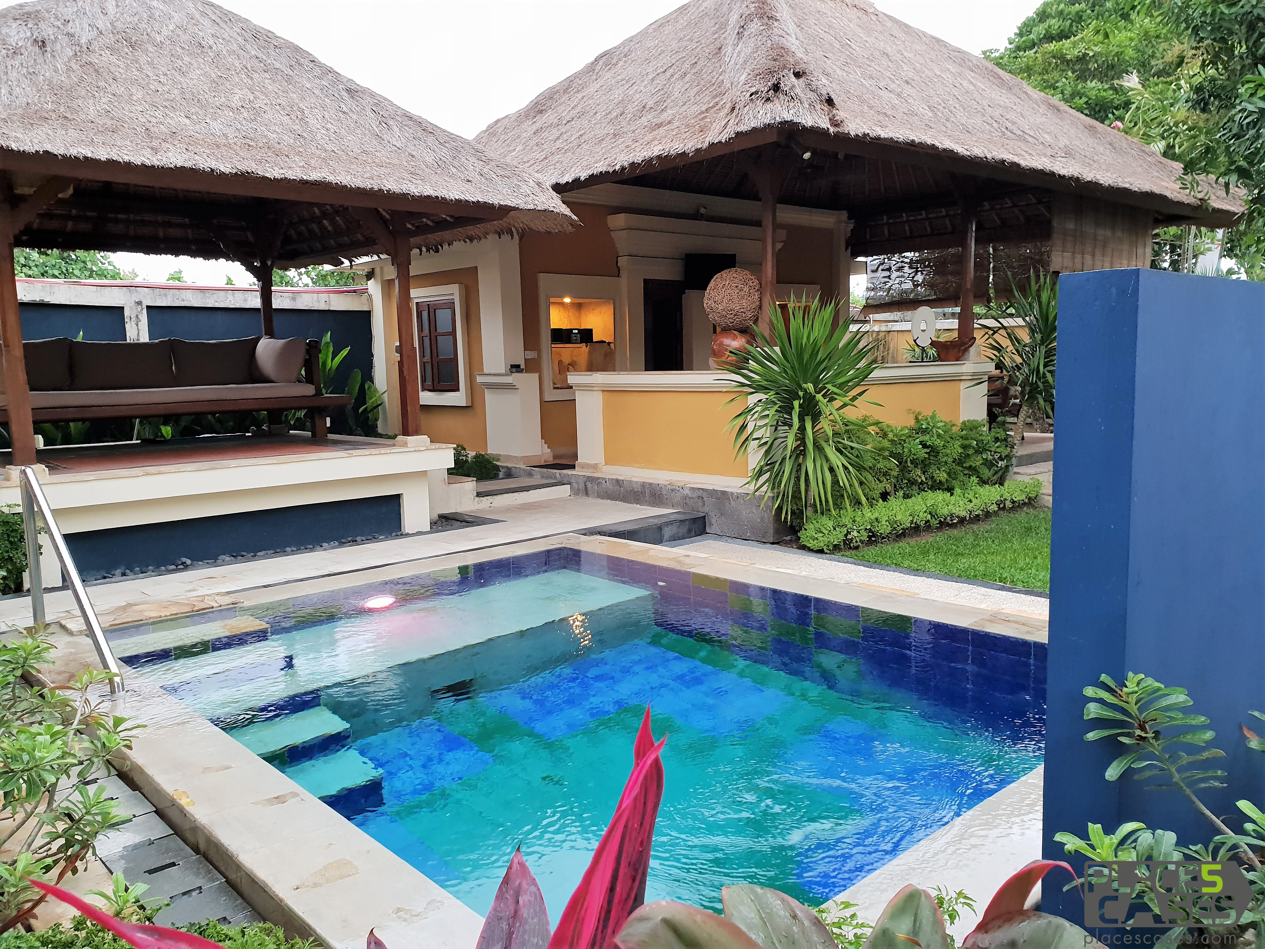 Do you want to go to Bali Island with the whole family in comfortable villas with private pool? I know a place like this!