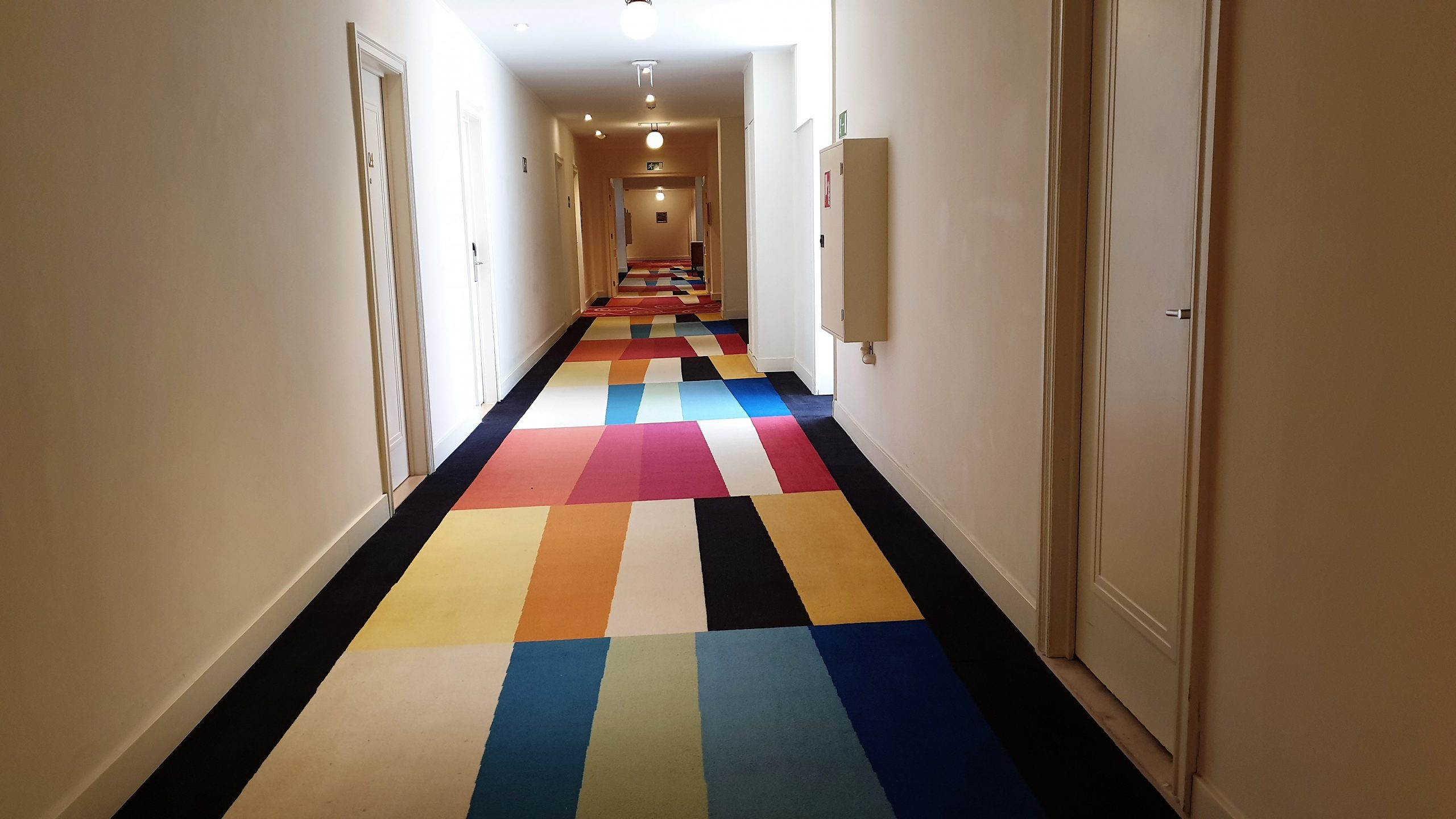 Crowne Plaza Le Palace Brussels, photo by placescases.com