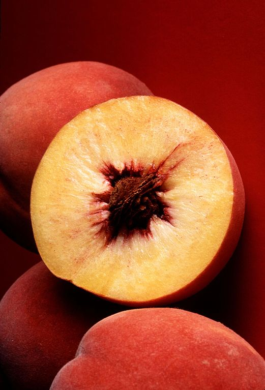 521px-Autumn_red_peach