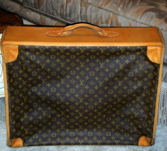 Louis-Vuitton-luggage-soft