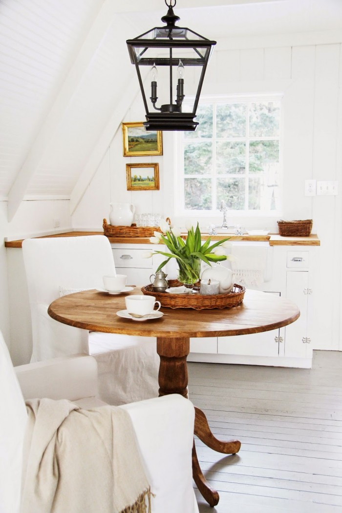 simply-white-breakfast-area