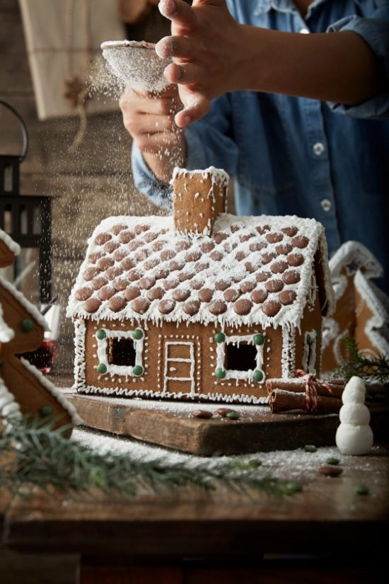 IKEA-gingerbread-house