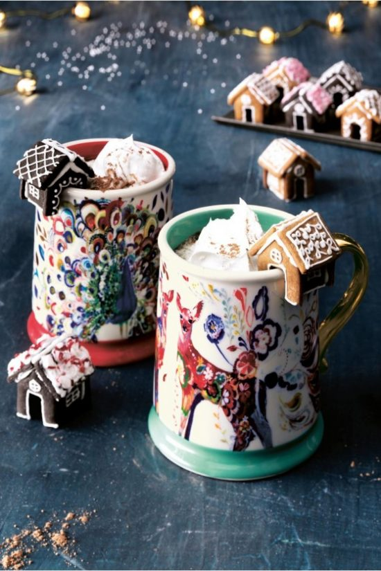 gingerbread-houses-hot-chocolate