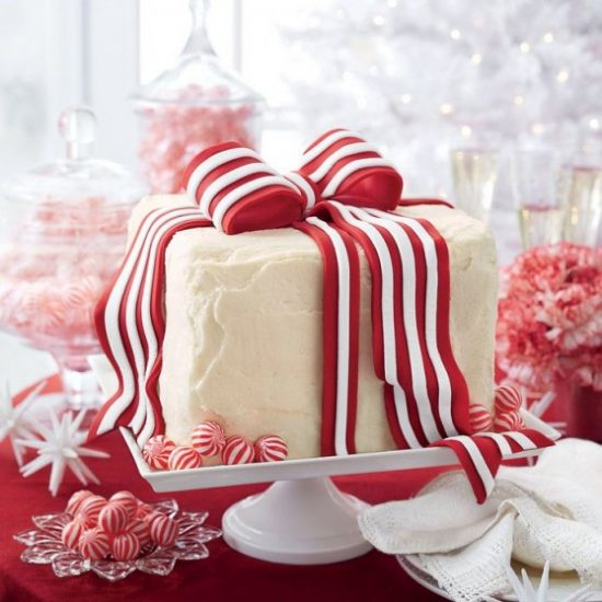 white-cake-peppermint-frosting