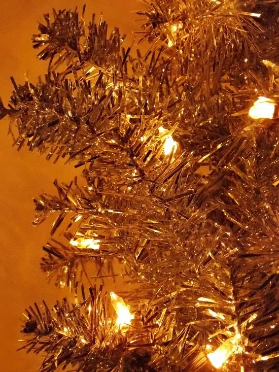 tinsel-tree