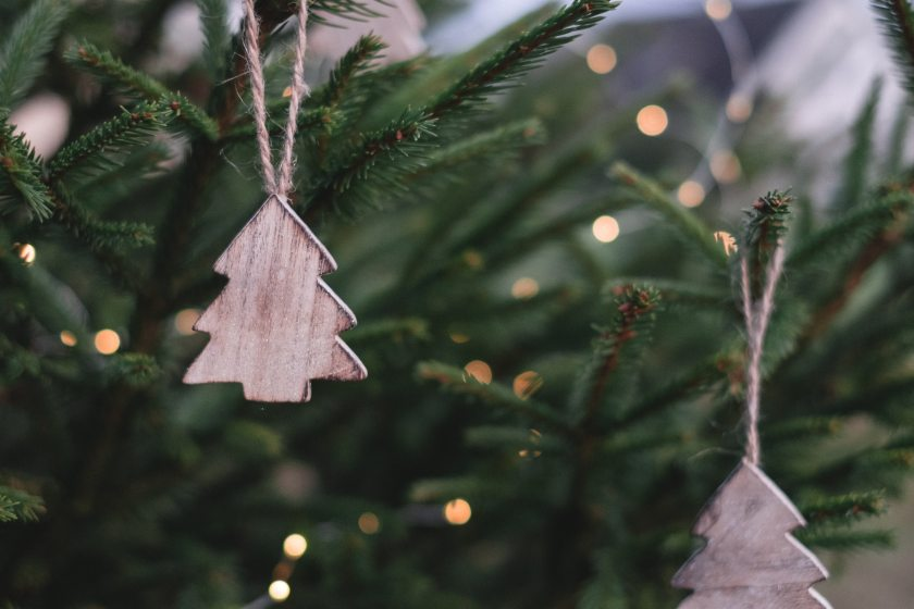 christmas-ornaments-on-christmas-tree-704219.jpg