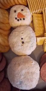 088 e1389072785306 153x300 Cheese ball snowman recipe