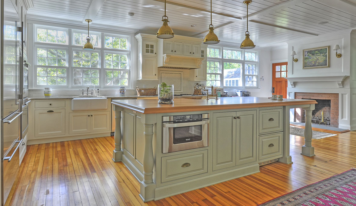 Pleasing Traditional Kitchen Cabinets Plain Amp Fancy
