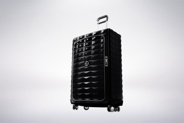 content_plain-magazine-smart-suitcase01