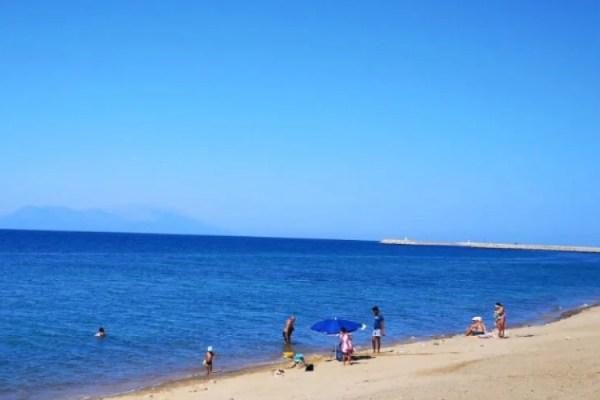 Gülçavuş Sahili Plajı