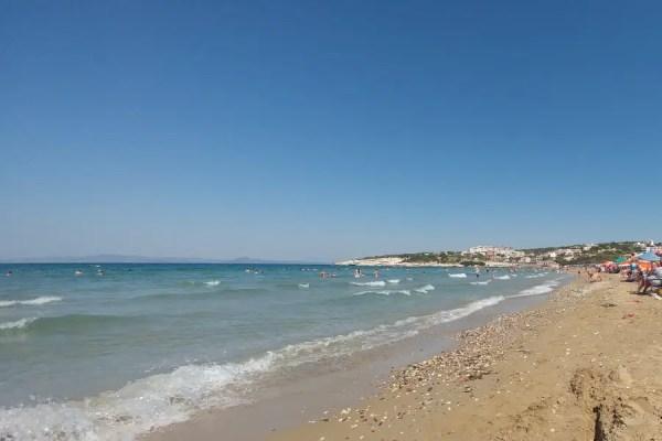 Karaburun Ardıç Plajı