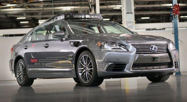 Toyota Lexus LS en su versión autónoma como carro de pruebas